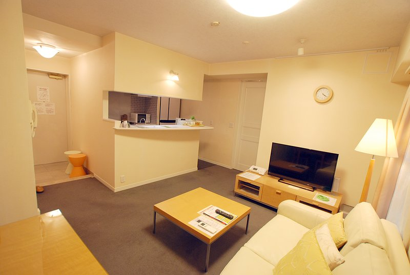 ELEGANT 1-BR APARTMENT, AZABU, holiday rental in Ginza