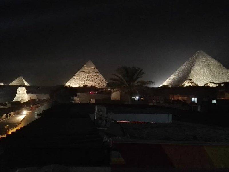 Atlantis Pyramids Inn (Double Room 4), holiday rental in Sheikh Zayed City