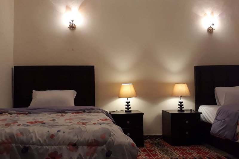 Atlantis Pyramids Inn .Bed and breakfast with pyramids view., holiday rental in Sheikh Zayed City