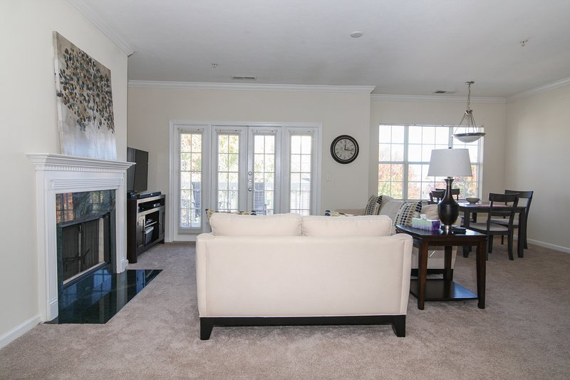 2 Bedroom in the Heart of Ballantyne!, vacation rental in Matthews