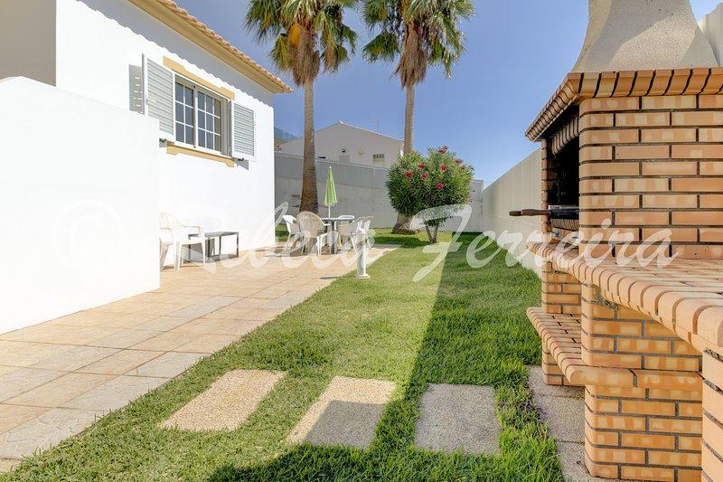 Terras Novas Villa Sleeps 6 with Pool and WiFi - 5239090, holiday rental in Patroves