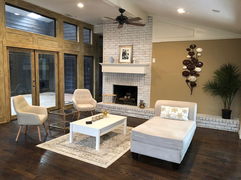 North Villa, destination place for relaxation and peace, holiday rental in Dallas
