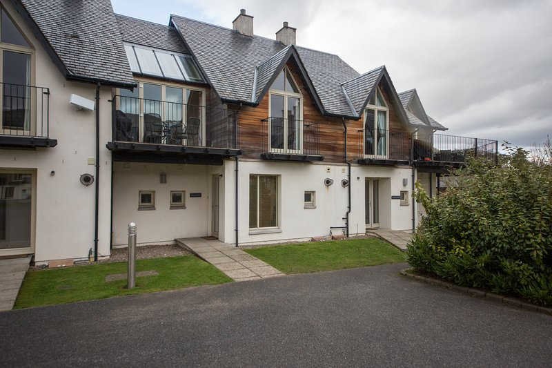 Mains of Taymouth The Atrium, holiday rental in Fearnan