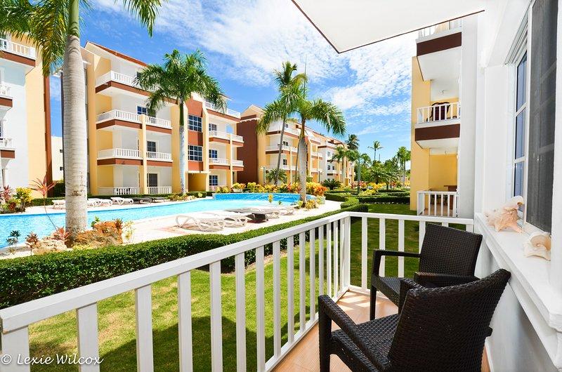 Estrella del Mar 2BR steps from pool and gazebo, vacation rental in Punta Cana