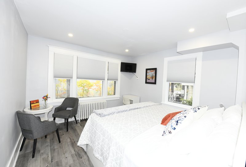 Serene Niagara - Red Oak Luxury Room Bed and Breakfast, location de vacances à Lewiston