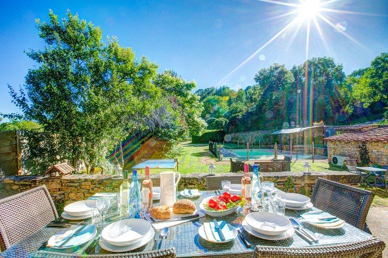 Prats-du-Perigord Villa Sleeps 8 with Pool and WiFi - 5604580, location de vacances à Saint-Cernin-de-l'Herm