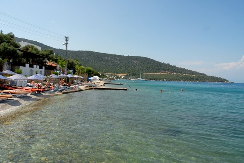 Torba Beach Residence Apartment With Shared Swimming Pool, vacation rental in Torba
