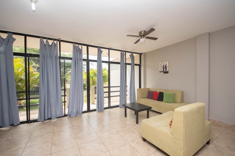 Ocean View Condo All inclusive 205, holiday rental in Crucita