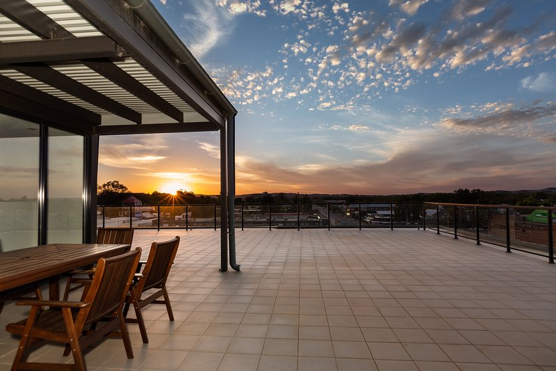 4 Bedroom Luxury Penthouse City Apartment, casa vacanza a Wagga Wagga