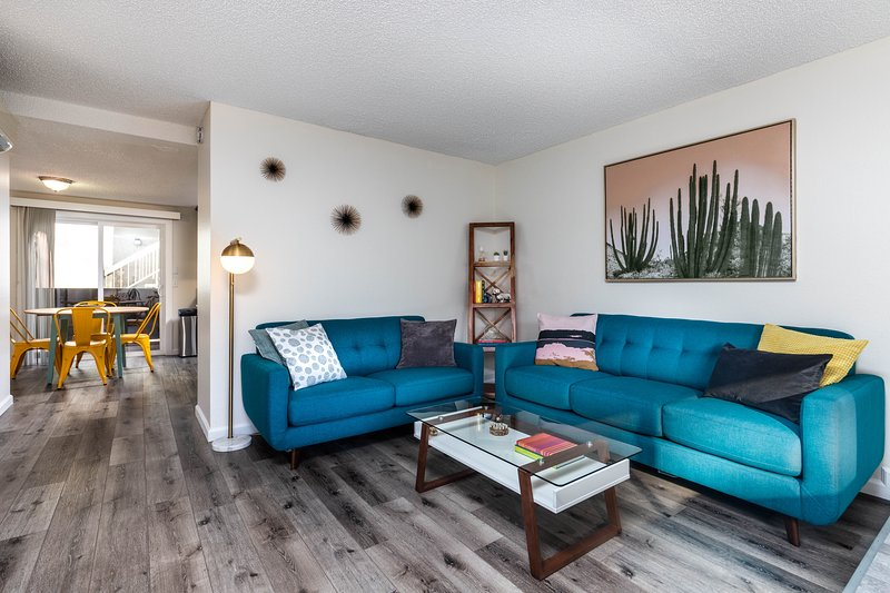 Prime Glendale Location Walk To The Americana Updated 2019