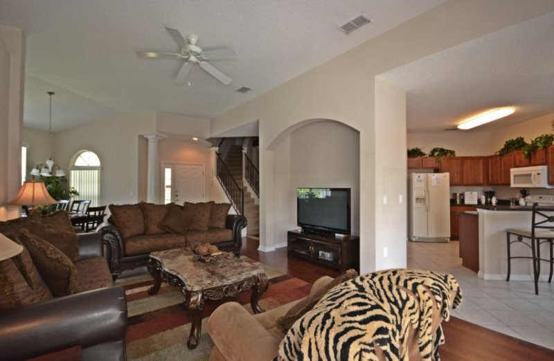 246MC. Superb Mediterranean Style 6 Bedroom Pool Home, vacation rental in Haines City