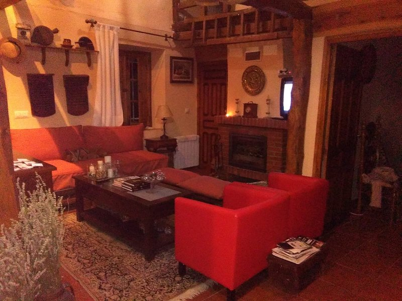 Casa Rural Villaclementina, holiday rental in Montejo de Arevalo