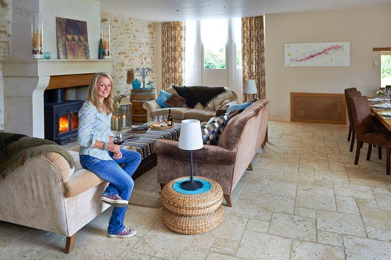 Marigny-le-Cahouet Villa Sleeps 12 with Pool - 5690955, location de vacances à Marigny-le-Cahouet
