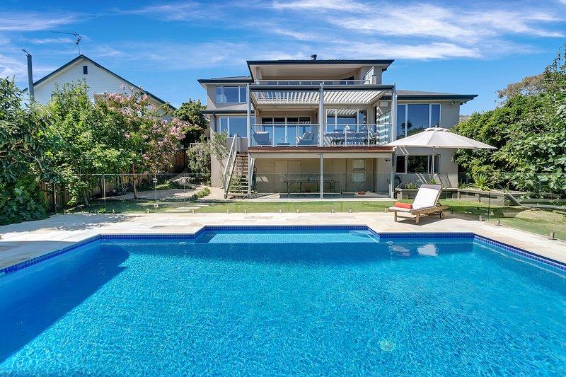 Holiday Shacks - Villa La Vue - Luxury Mornington Retreat, holiday rental in Mt Eliza