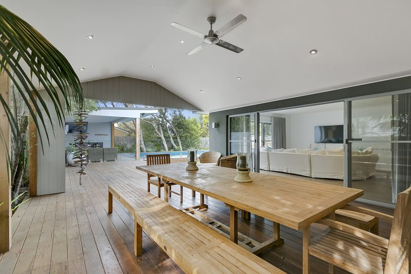 Holiday Shacks - Seabreeze Retreat - Luxury Retreat with pool, walk to Rye fores, vacation rental in Rye