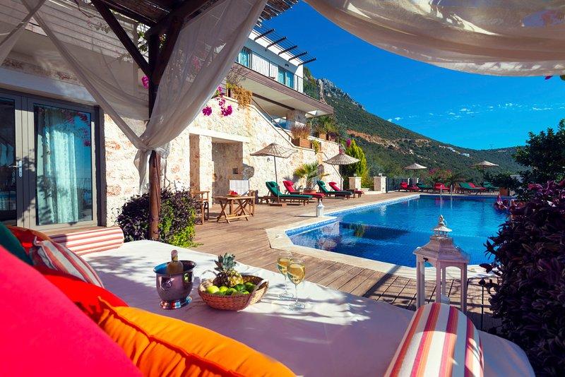 Kalkan Villa Sleeps 10 with Pool and Air Con - 5683872, holiday rental in Bezirgan