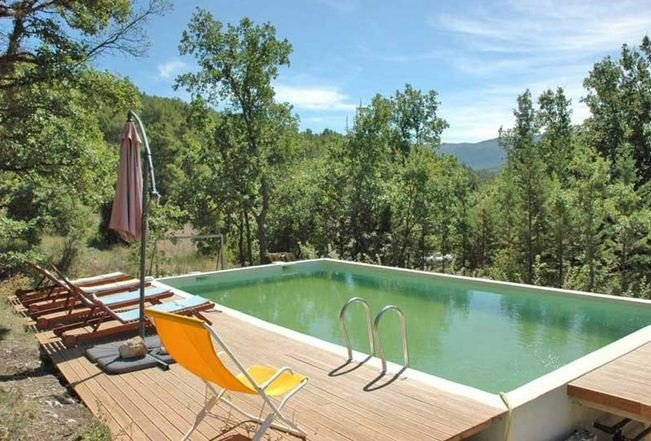 Spacious villa with swimming-pool, holiday rental in Rustrel