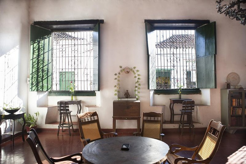 Café Mompox Colonial House - fan room, holiday rental in Mompos