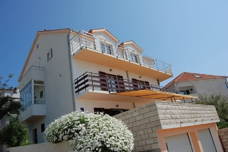 Marti A3 - Sunce(2) - Hvar, vacation rental in Hvar Island