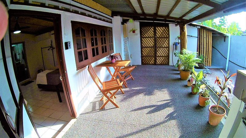 Sabandy Guesthouse, vacation rental in Ayer Hangat