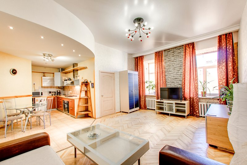 Apartmants on Marata street 35. Heart of the city, holiday rental in St. Petersburg