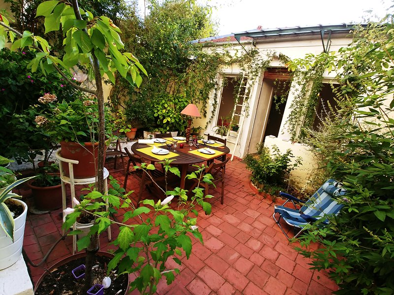 Nice house with garden & terrace, holiday rental in Val-de-Marne