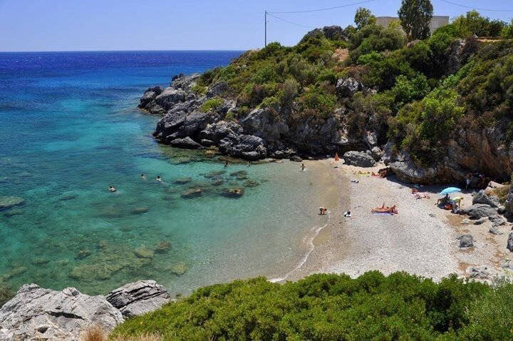 Quiet beach in a small bay with dense vegetation 200 m from the villa