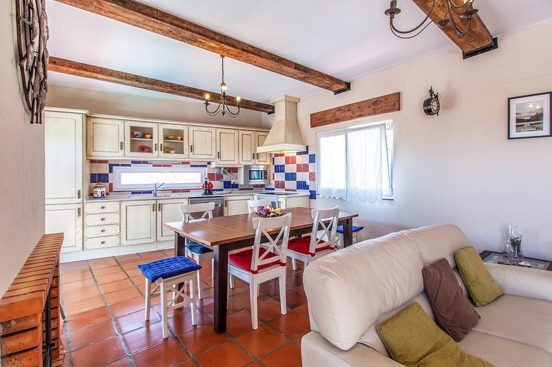 Monte da Carrasqueira Villa Sleeps 7 with Pool - 5689295, location de vacances à Carvalhal