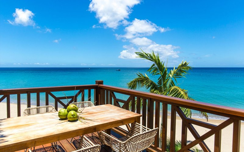2 Bedroom Beachfront Villas - Stunning Ocean Views - Great rates !!!, vacation rental in Nevis