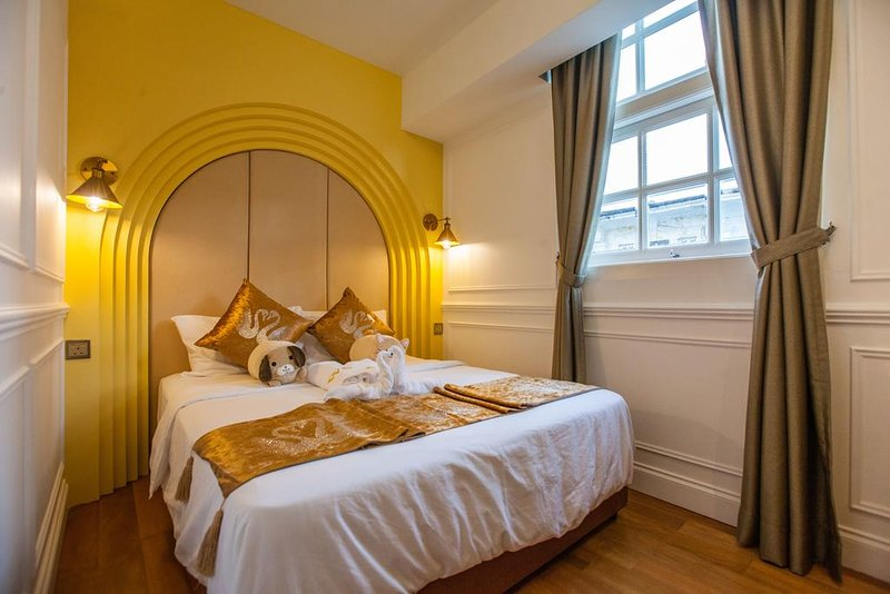 White Mansion Penang (Suite w/Balcony 7), holiday rental in George Town