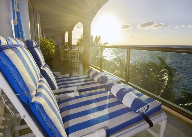 Luxurious and spacious 4 bedroom oceanfront home in Cozumel! - Cantil 3CN – semesterbostad i Cozumel