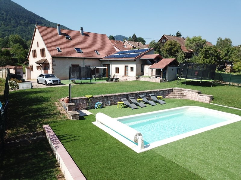 Chez Alice - Gite Alsace Piscine Spa Jacuzzi, alquiler vacacional en Breitenau