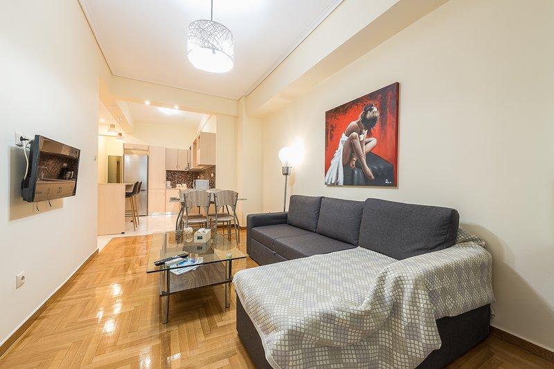 Elegant Home in Quiet Street by Cloudkeys, alquiler de vacaciones en Atenas