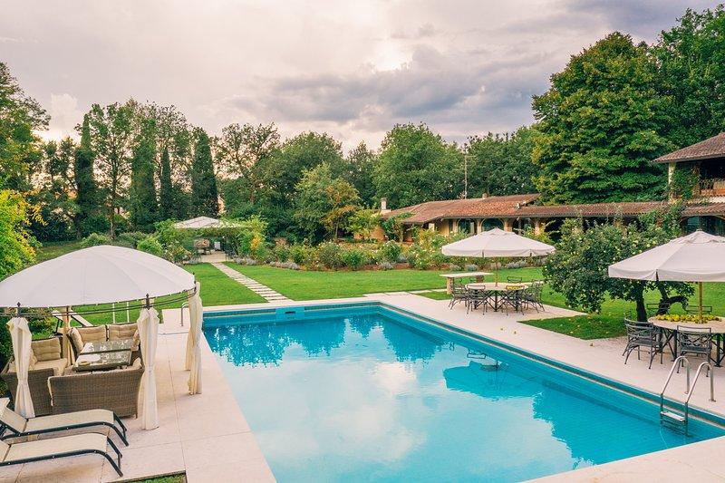 Beautiful Vacation Rental at Villa il Roseto close by Cortona, holiday rental in Alberoro
