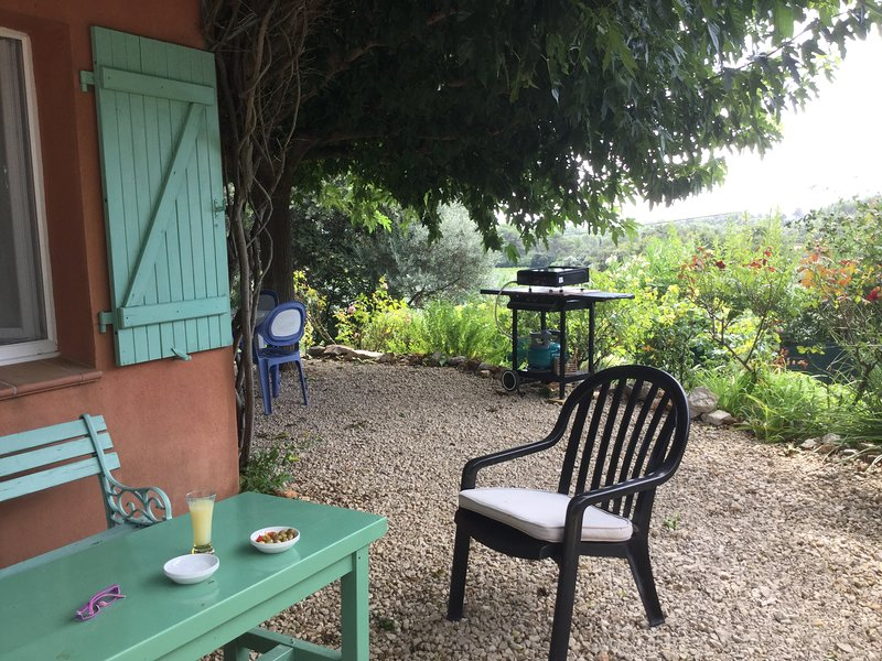 Le cabanon  à cotignac, location de vacances à Correns