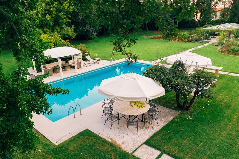 Villa il Roseto, holiday rental in Alberoro