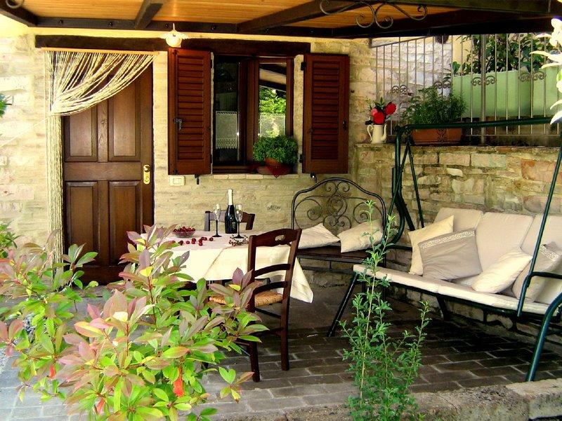 CASTELLONESTO App. LILLA (2 posti) o IRIS (2 posti ), location de vacances à Cagli
