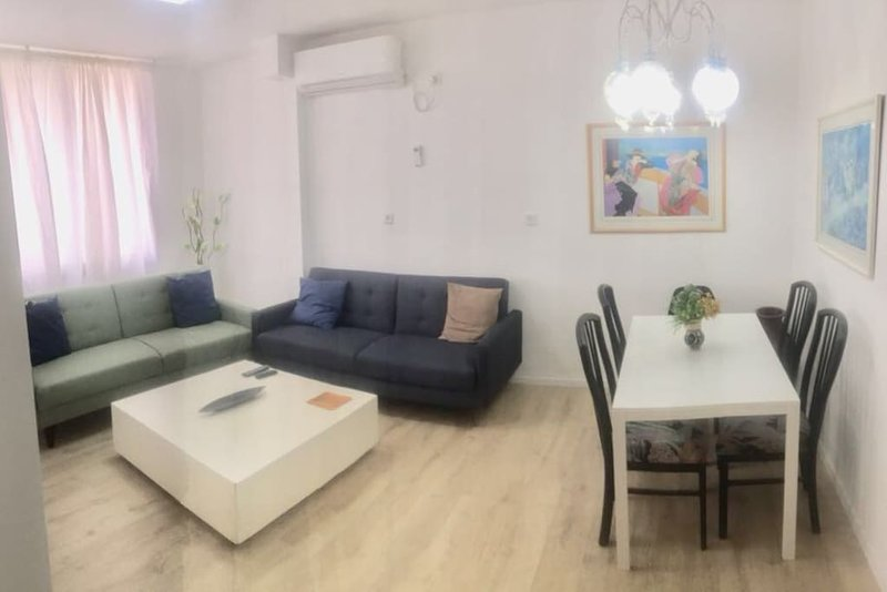 Superior Appartment on the beach, holiday rental in Netanya