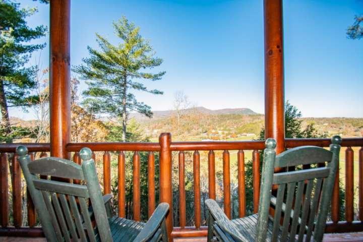 Mountain Creek Lodge w/Resort Pool & FREE FUN TICKETS/Hot Tub-Pool Table-Arcade-, location de vacances à Pigeon Forge