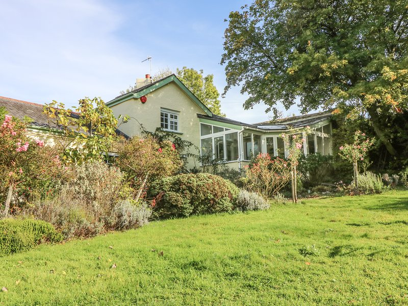 RINGMORE HOUSE COTTAGE, perfect for couples, short distance to the beach, in, location de vacances à Shaldon