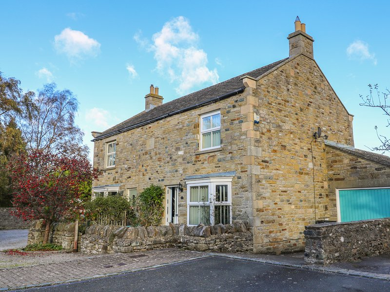 10 OLD SCHOOL CLOSE, open fire, in West Witton, casa vacanza a Leyburn