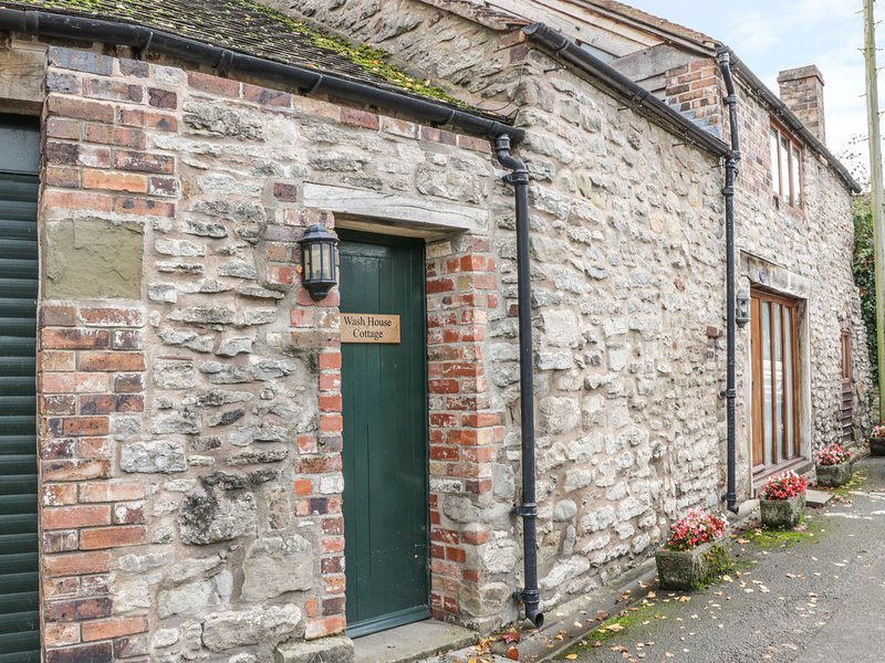 WASH HOUSE COTTAGE, bedroom in the eaves, Much Wenlock, location de vacances à Little Wenlock