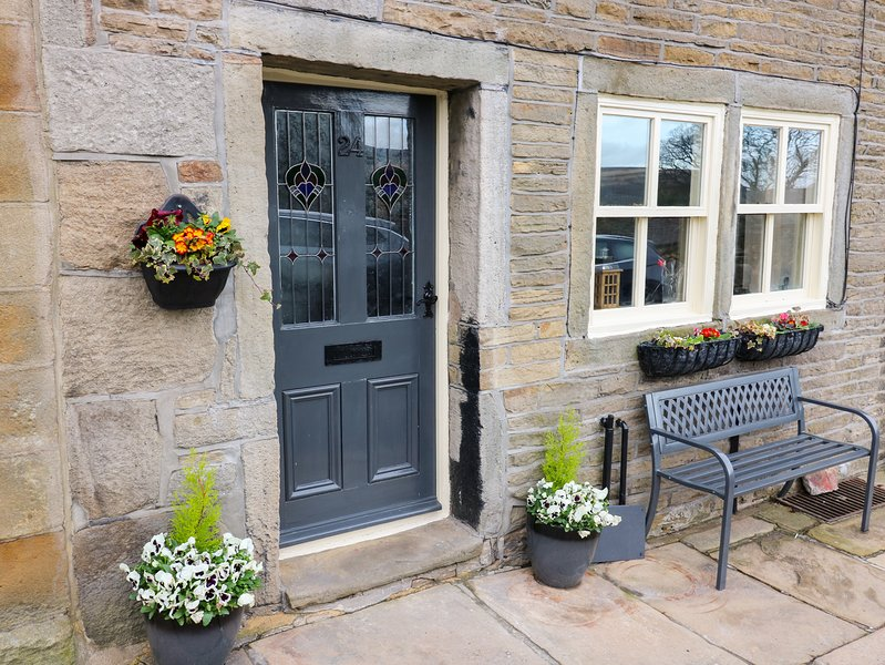 24 MAIN STREET, woodburner, dog-friendly, Stanbury, location de vacances à Oldfield
