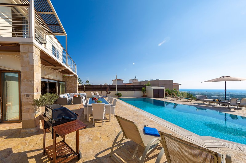 Villa Callista - Modern 4 Bedroom Villa just North of Paphos Town, holiday rental in Tremithousa