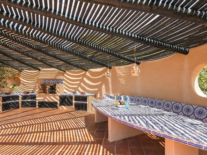 Benagil Villa Sleeps 8 with Pool and Air Con - 5691641, holiday rental in Lagoa