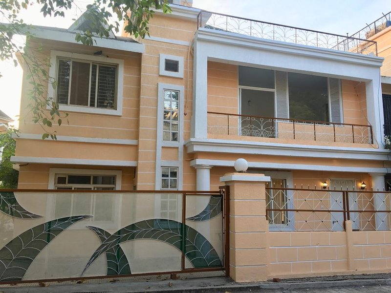 Luxury villa, holiday rental in Thane District