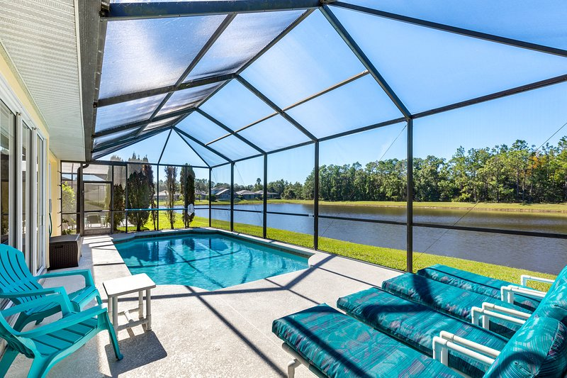 Private Villa with Security Gate, Sunset Lakes in Kissimmee, holiday rental in Kissimmee