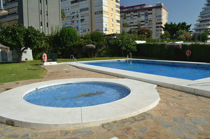 great area to relax with separate children´s pool