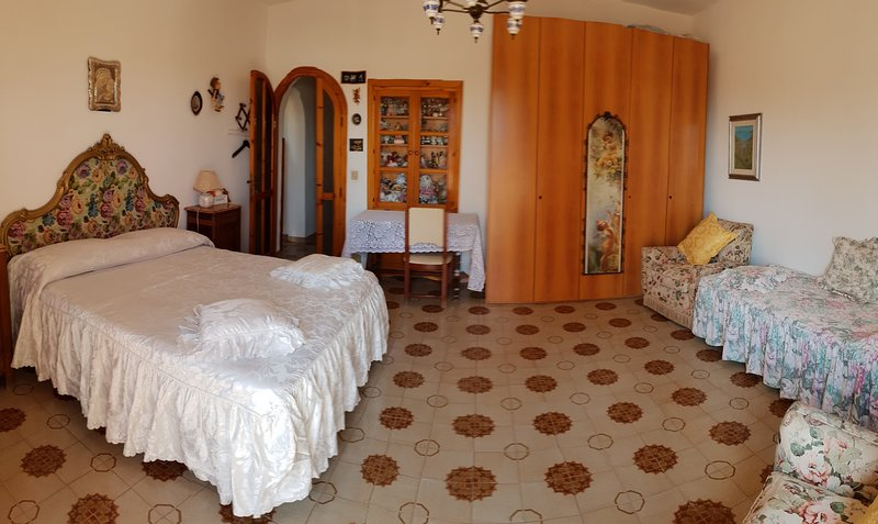 LA CASETTA CON GIARDINO VICINO AL MARE, holiday rental in Salto di Fondi