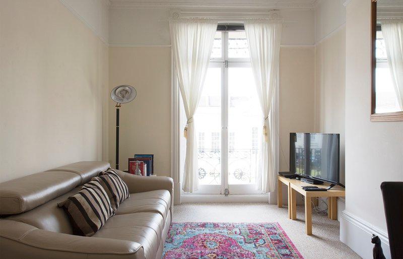 ELEGANT, COZY APARTMENT IN LEAMINGTON SPA, holiday rental in Lighthorne